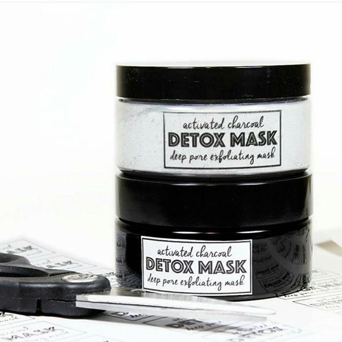 Activated Charcoal Exfoliating Mask