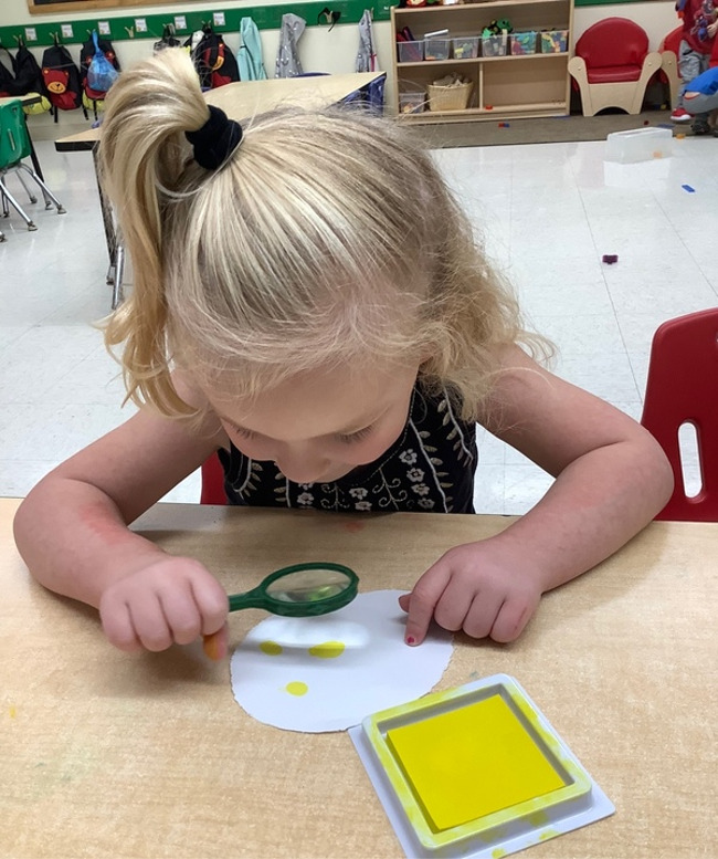 During Noggin Joggin, our Preschool 1 students looked at their thumbprints.