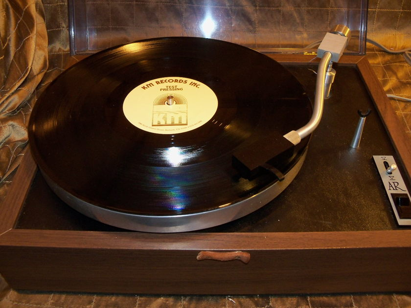 ACOUSTIC RESEARCH AR XB TURNTABLE