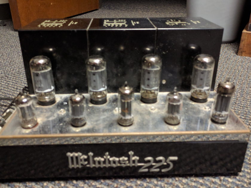 McIntosh MC225 Good condition Sounds nice and warm
