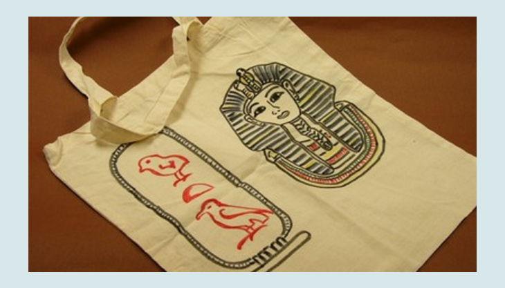 aegyptisches museum tasche mit schriftzeichen