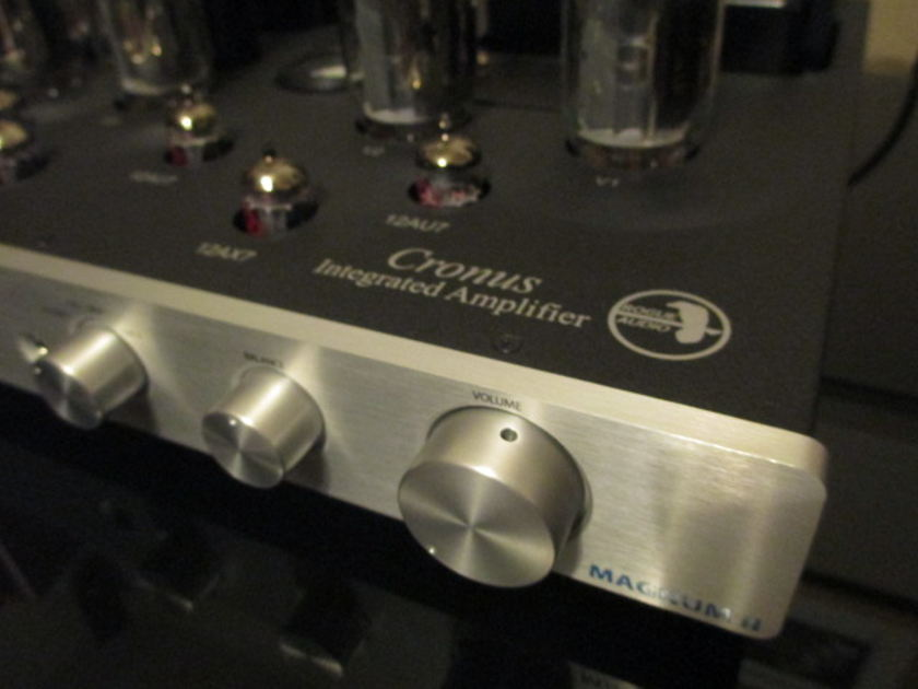 Rogue Cronus Magnum II Latest version 100wpc w/ Phono, Headphone, MINT