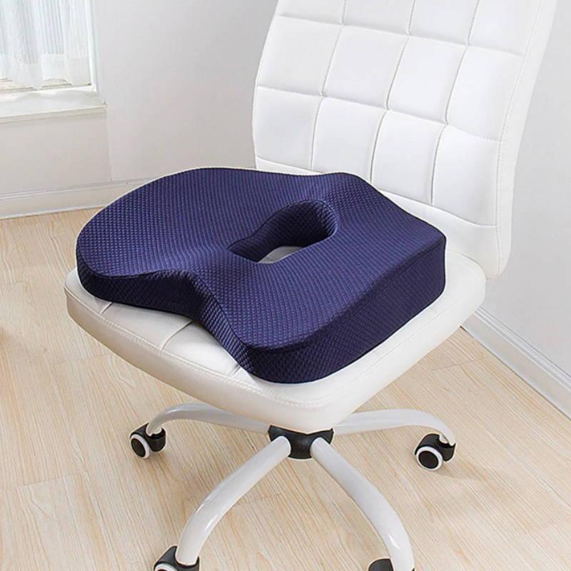 Coussin d'assise posé sur une chaise