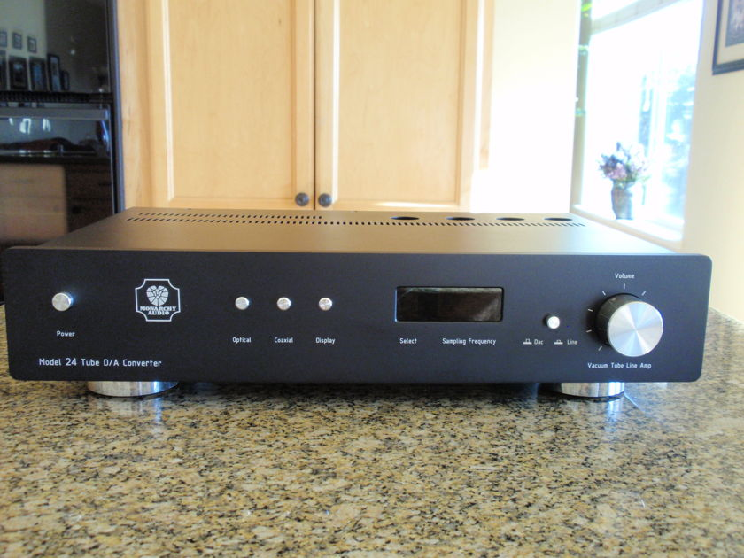 Monarchy NM24 Tube Dac  and Line-stage