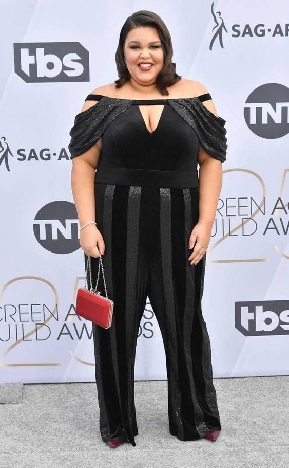 Britney Young from 2019 SAG Awards Red Carpet Fashion In Tadashi Shoji