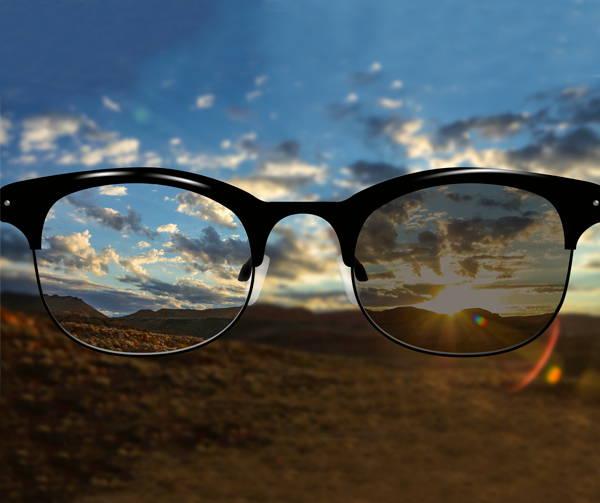 2aa3e1a52c ... exterior sin cambiar de anteojo. Ofrecen una visión nítida en todo  momento, protegiendo los ojos de manera permanente. Puedes encontrar esta  tecnología ...