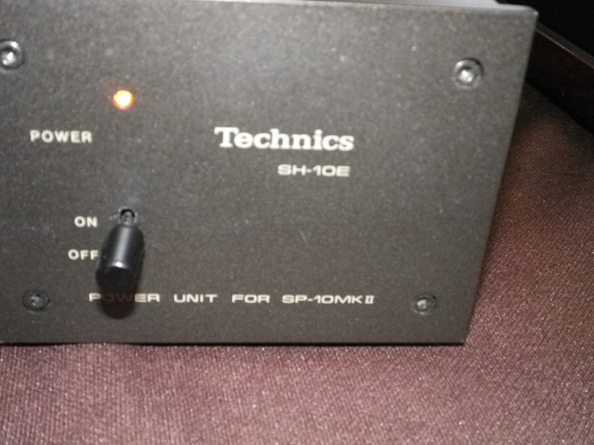 TECHNOCS  SP-10MKII with SH-10B3 PLINTH incluging DUST COVER  and SH-10E POWER SUPPLY