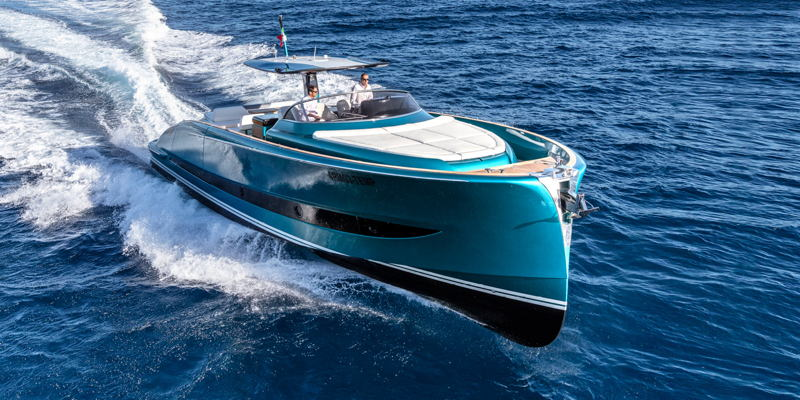 featured image for story, South Florida Lifestyle-Solaris Power Yachts