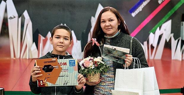 На «Радио Дача» в Чебоксарах состоялся финал конкурса детских рисунков «Лучшая мама на свете» - Новости радио OnAir.ru