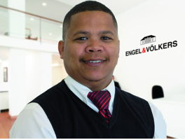 Agent Of The Month Christiaan Olivier