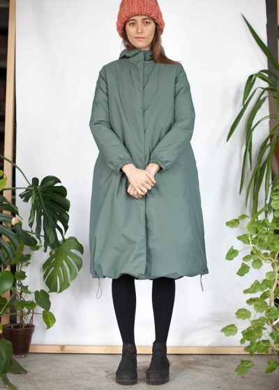 фисташковое зимнее пальто