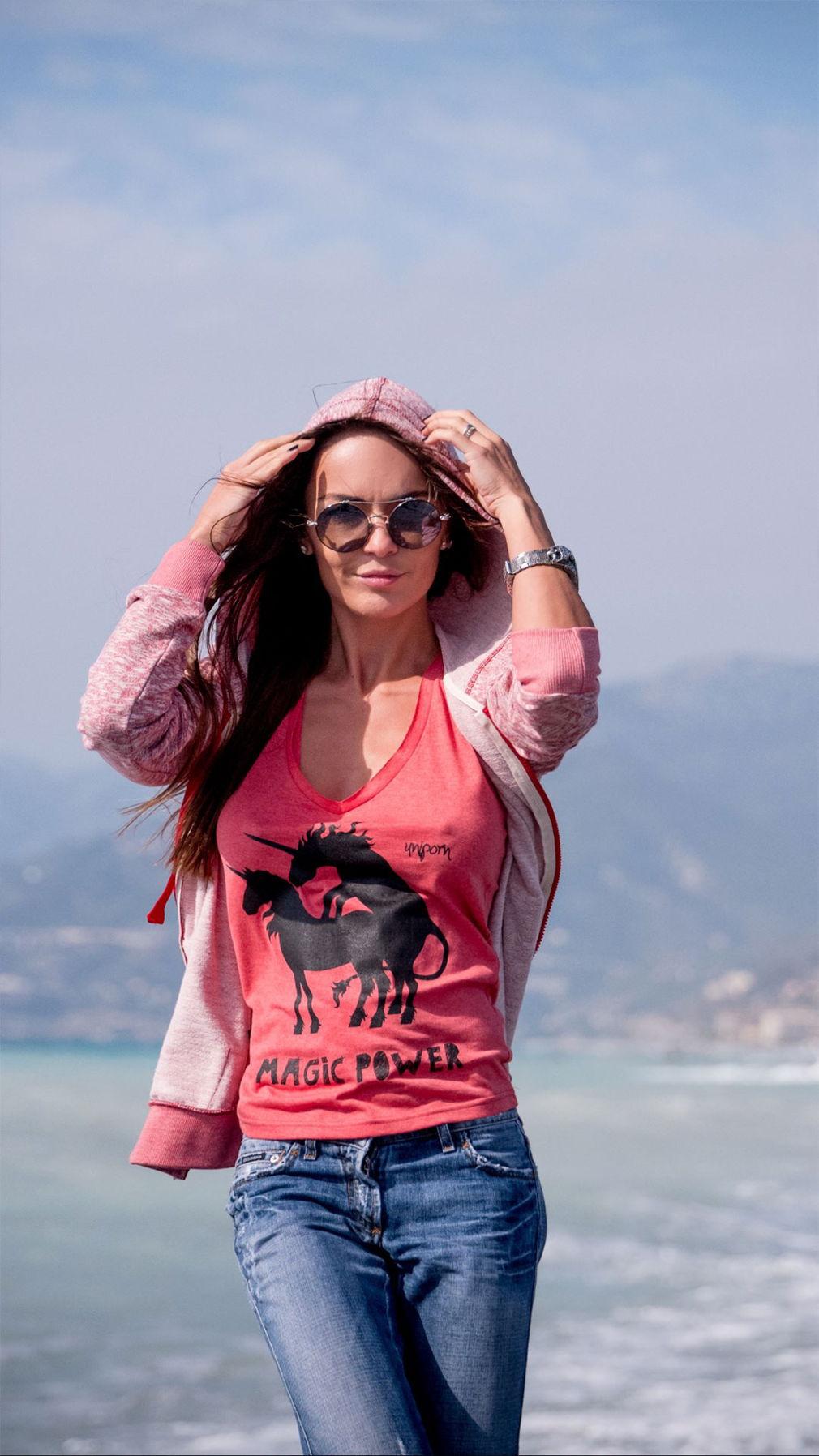 Розовая футболка Magic Power