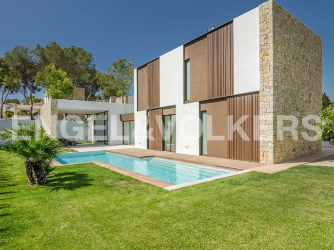 Stunning Modern High Quality Luxury Property in Moraira