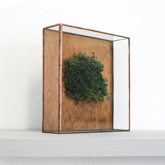 Настольный или полочный декор со мхом и деревом