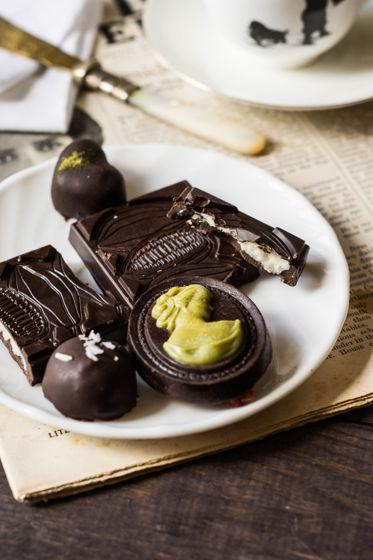 Raw шоколад с кокосовой начинкой