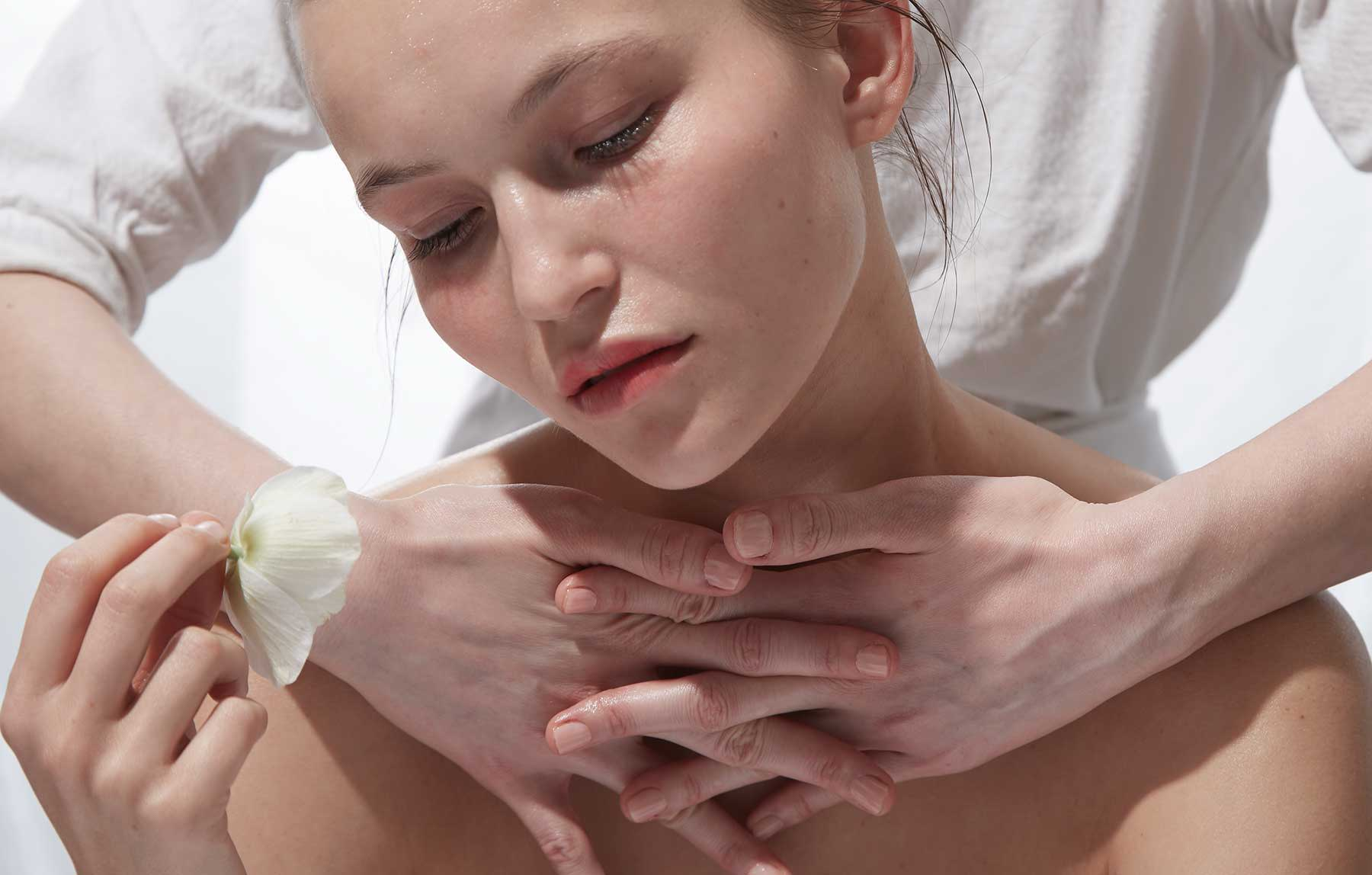 Eileen Tulura Hands Massage