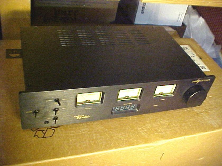 Magnum Dynalab MD-90 analog FM tuner