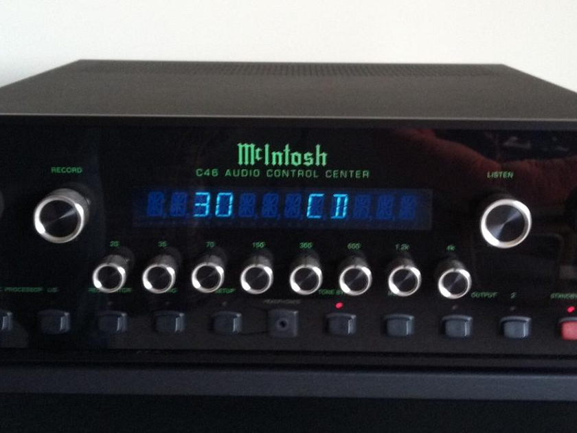 McIntosh C-46 Preamplifier Perfect condition, cannot find a blemish on it