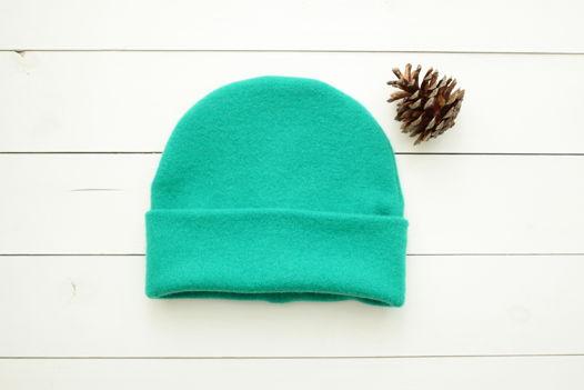 Тёплая шапка Зелёная