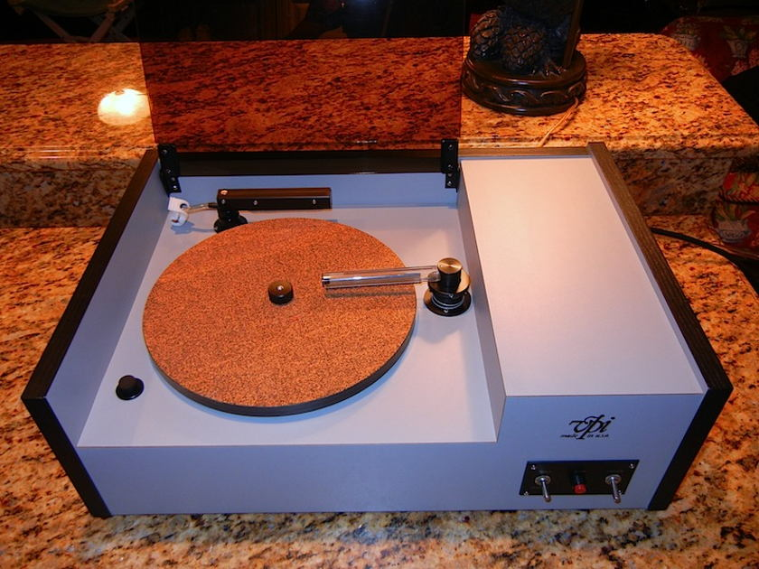 VPI HW-17 Record Cleaning Machine (White)
