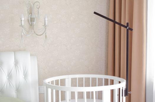 Деревянный держатель для мобиля на тёмную детскую кроватку ручной работы