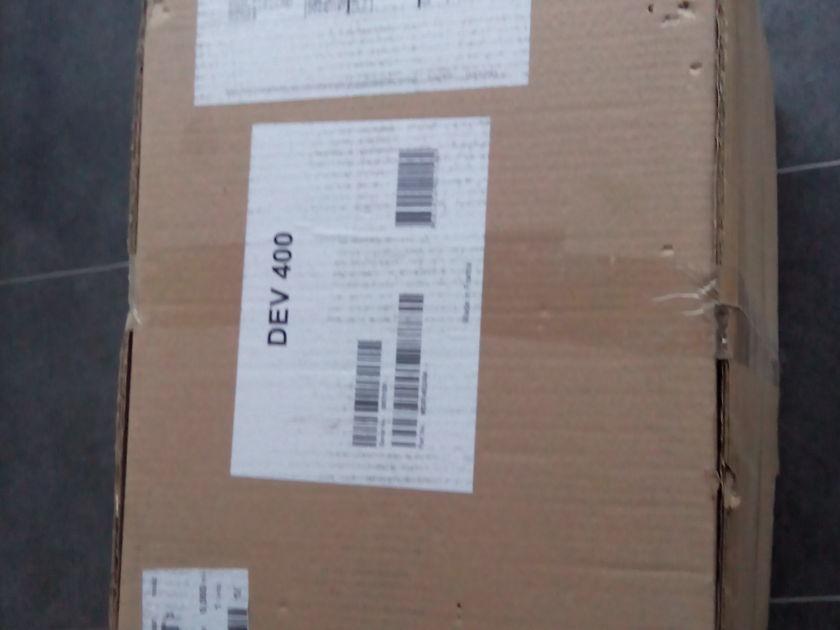 Devialet 400 Solistate  Amplifier Unregistered w/ Full warranty
