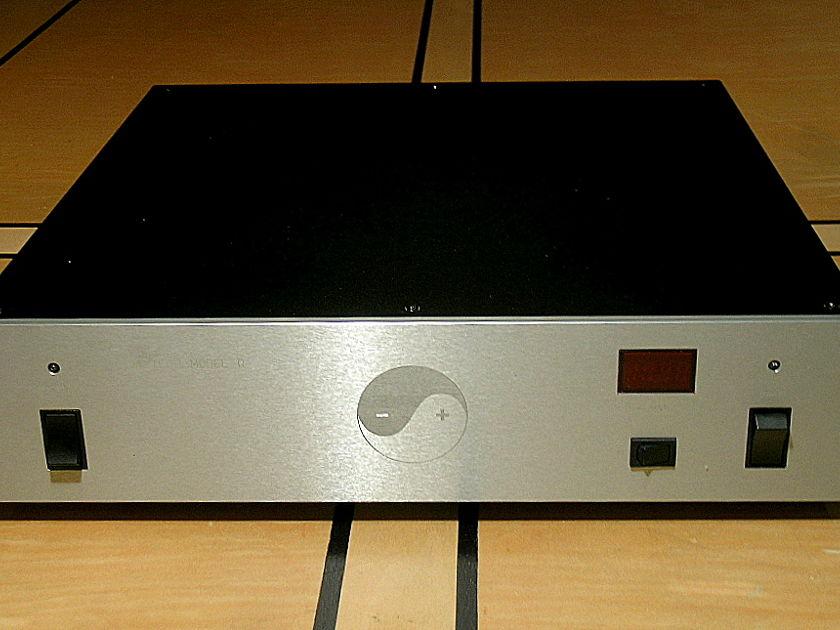 Equitech 1.5Q  AC Power conditioner