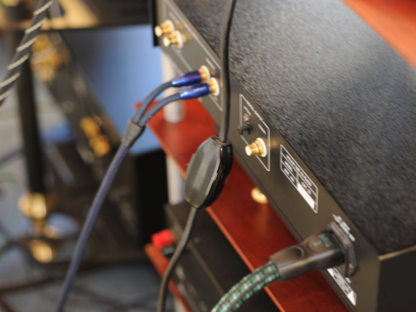Cayin  CDT-23 Tube CD Player