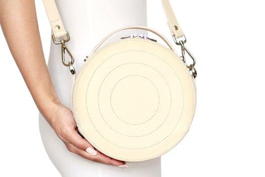 Кремовая круглая кожаная сумка Ronda