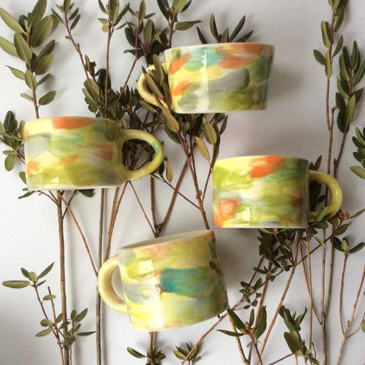 Цветная керамическая чашка