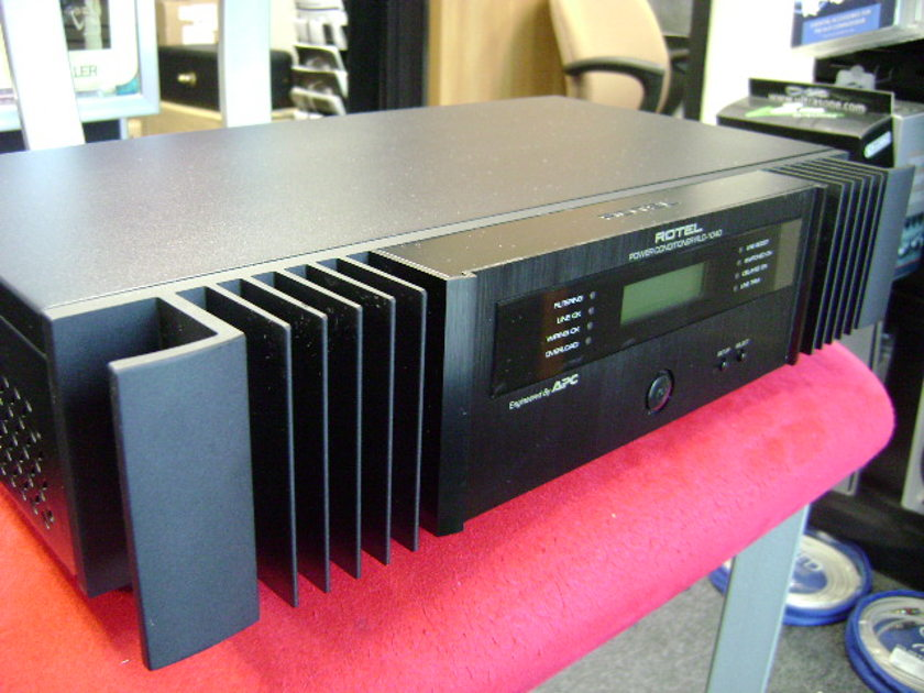 Rotel  RLC-1040 Audio/Video Power Conditioner