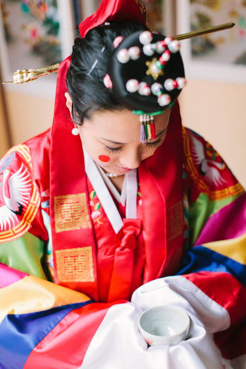 KOREAN TRADITIONAL PAEBAEK TEA CEREMONY BRIDE