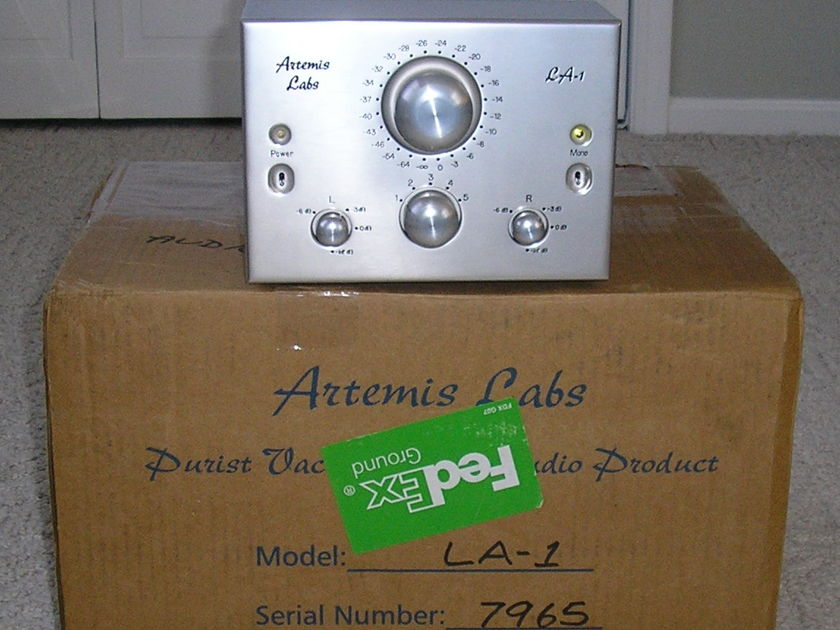 Artemis Labs LA-1 Tube Preamp Mint Condition