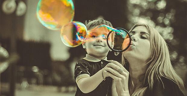 «Мама может!». Радио Сибирь проводит сразу два конкурса в преддверии Дня матери - Новости радио OnAir.ru