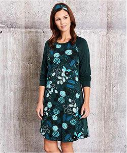 Model in long-sleeved Tessa Flower bamboo pajamas