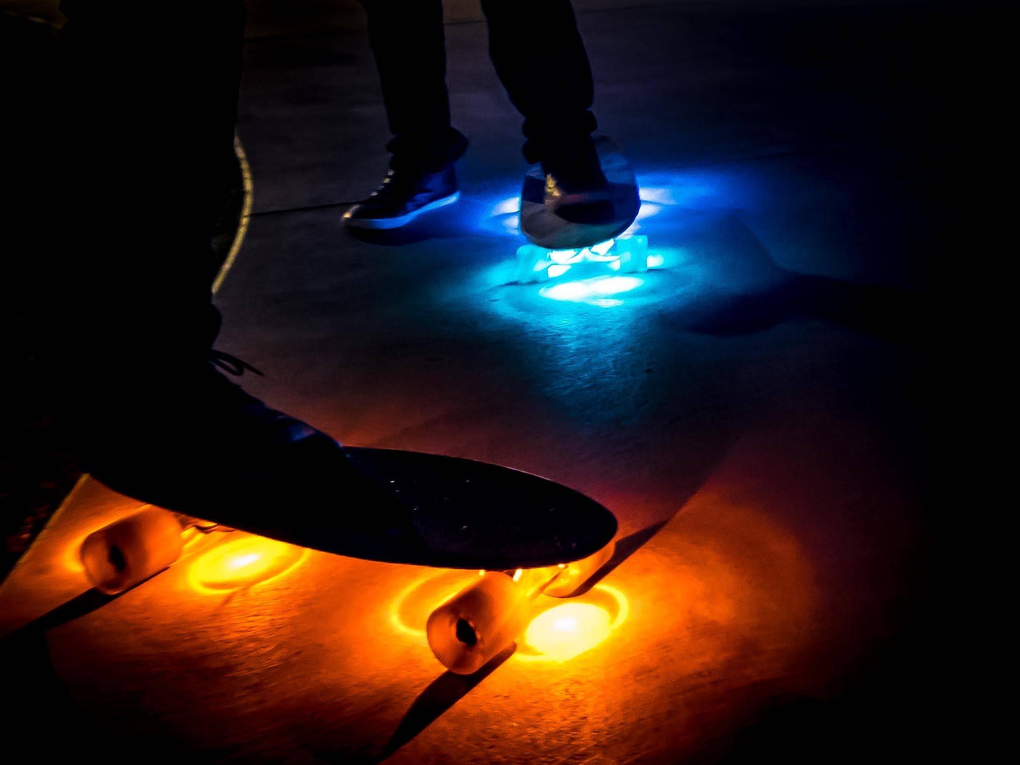 skateboard underglow lights at dark
