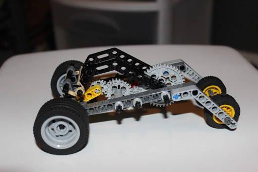 LEGO Rubber Band Car