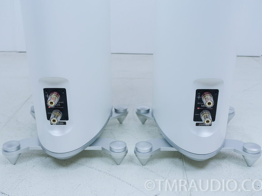 Scansonic MB2.5 Speakers; Gloss White Pair (7534)