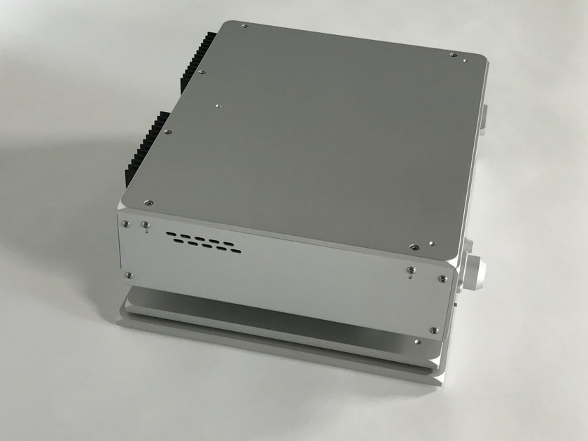 Nagra HD DAC w/ MPS PSU and w/VFS platform for each chassis