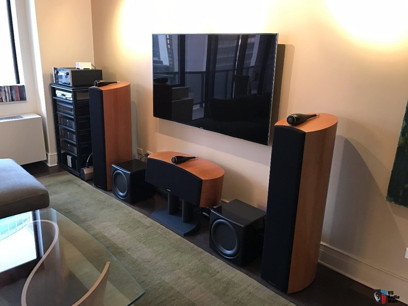 B&W, McIntosh and SimAudio Home Theater System (B&W, McIntosh and SimAudio)