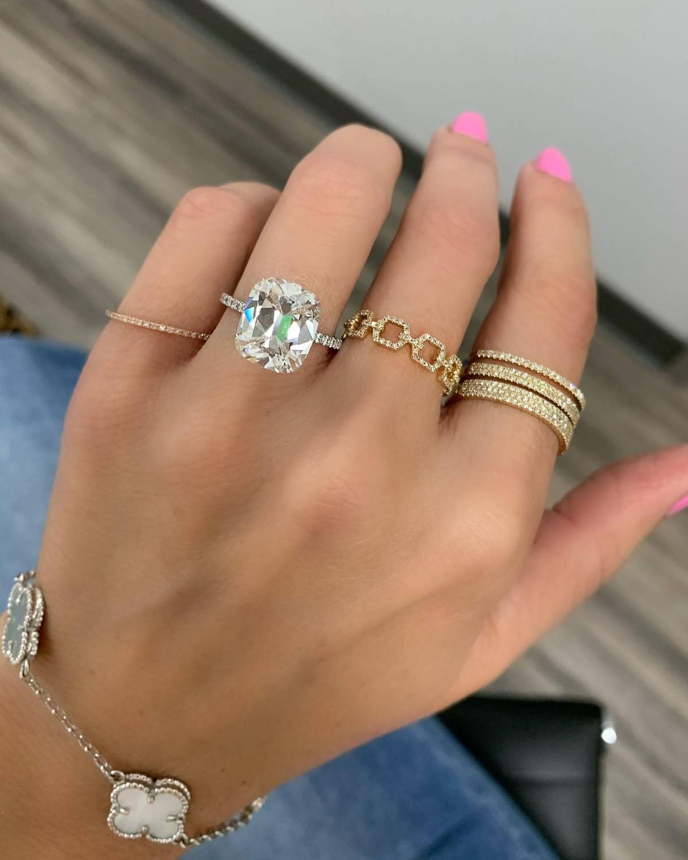 Miss Diamond Ring 5 Carat 6 Carat Cushion Diamond Engagement Ring