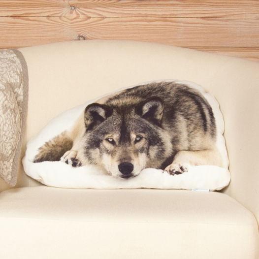 Подушка  Волк – льняная декоративная подушка в виде спящего волка