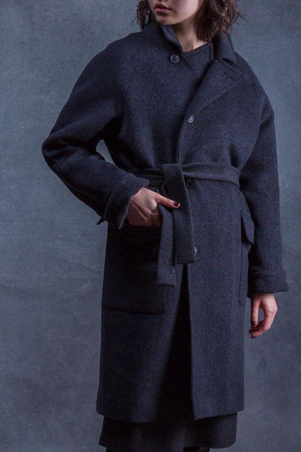 Пальто графитовое зимнее на утеплителе