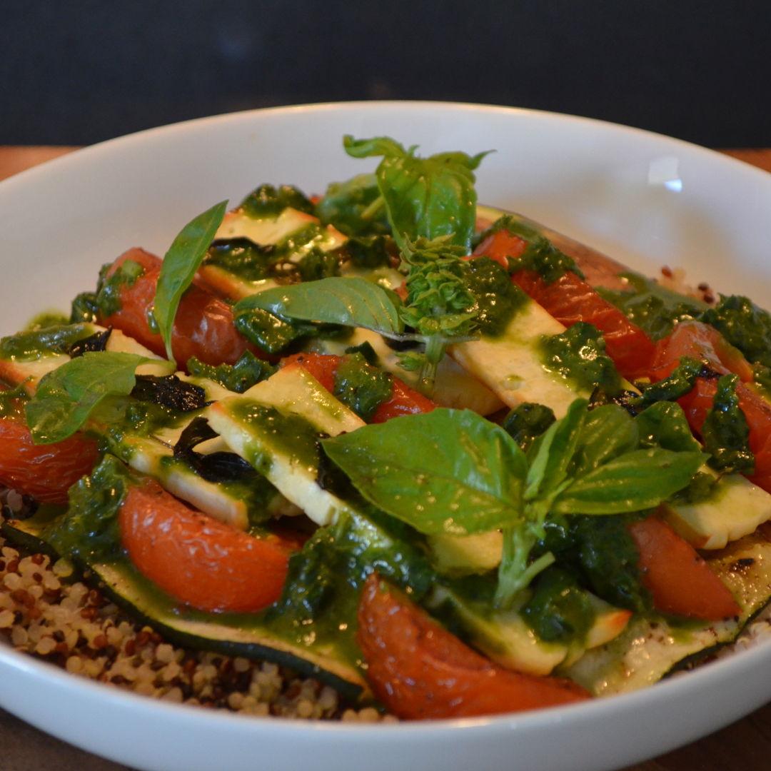 Date: 14 May 2020 (Thu) 122nd Main: Tomato & Oregano Baked Haloumi Quinoa Bowl with Basil Oil [350] [162.7%] [Score: 9.0] Cuisine: Italian Dish Type: Main