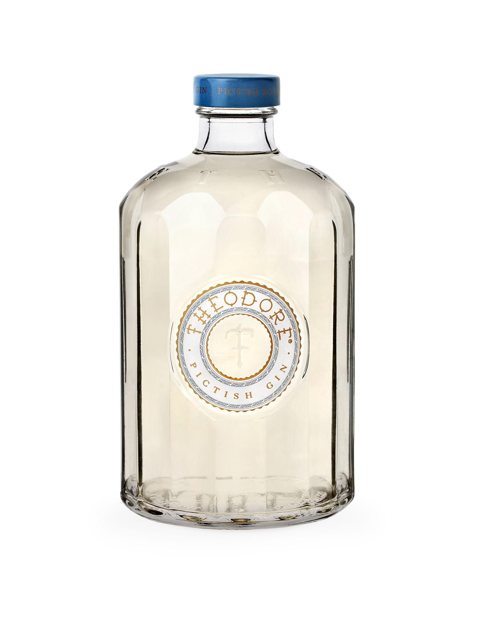 Theodore_Gin_Bottle.jpg
