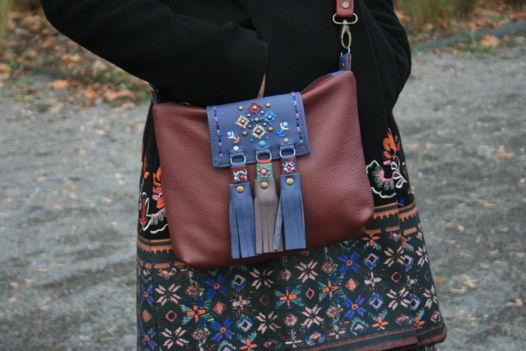 Бордовая сумка из натуральной кожи ручной работы с вышивкой в стиле этно.
