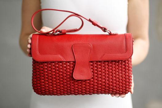 Плетеная красная сумка Miles