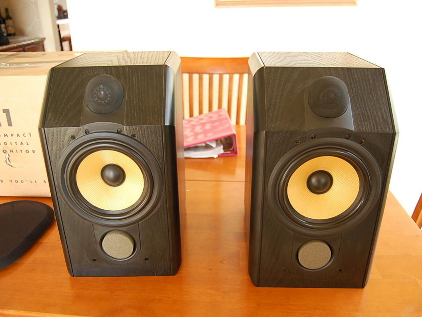 B&W CDM-1 Excellent Monitor Speakers
