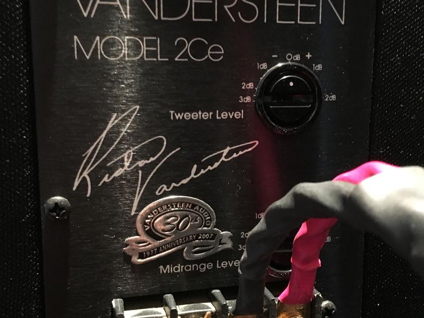 Vandersteen Model 2Ce Signature II Mint in Light Oak