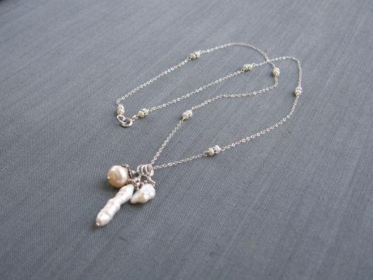 """Колье из жемчуга """"Mad about pearls"""" с подвесками на цепочке из серебра"""